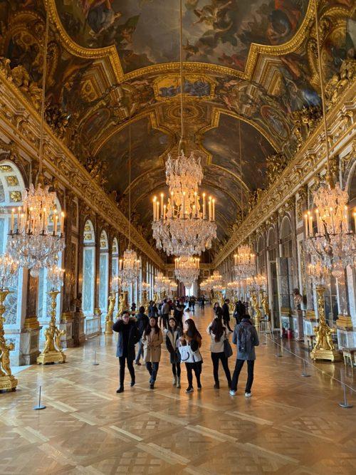 ヴェルサイユ宮殿 豪華な館内