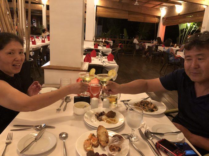 ホテルでのカウントダウンディナー