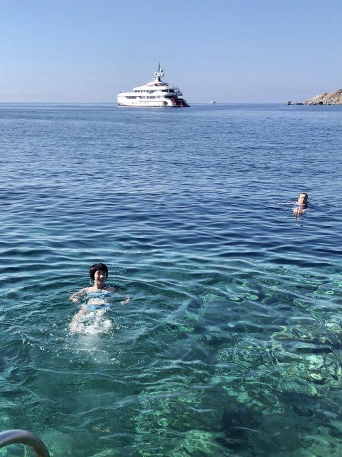 エーゲ海で泳ぐ!透明度抜群!