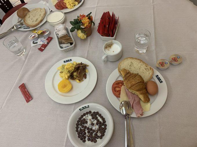 ローマのホテル「ホテルミラニ」の朝食