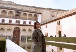 グラナダにあるアルハンブラ宮殿にて