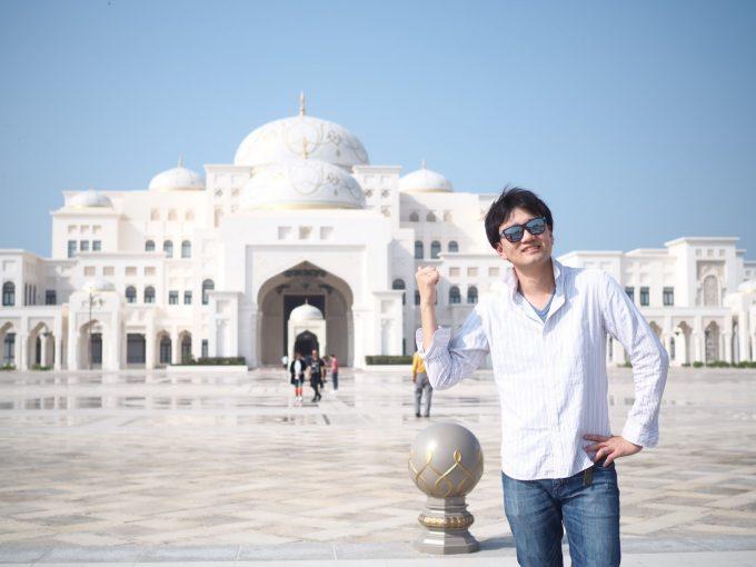 モスク(Sheikh Zayed Grand Mosque)にて