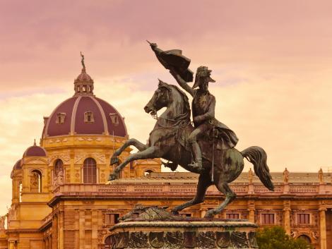 ウィーン:英雄広場の騎馬像