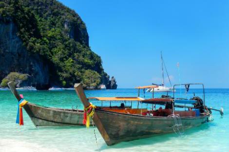 ピピ島のロングテールボート