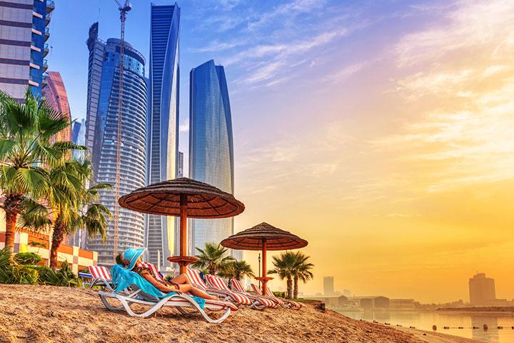ビーチ、シティー、砂漠と異なる魅力が楽しめるドバイ