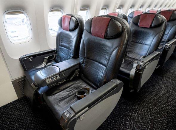 JAL Jクラス座席